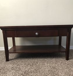 Brown Wooden Coffee Table for Sale in Orlando,  FL