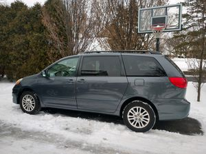 2007 Toyota Sienna LE - AWD - Single Owner - Minivan - Blue for Sale in Clarendon Hills, IL