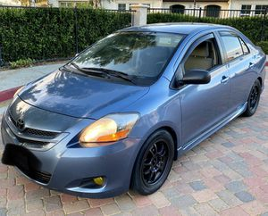 2008 TOYOTA YARIS S 5 SPEED MANUAL for Sale in Moreno Valley, CA