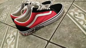 black and red vans for Sale in Bakersfield, CA