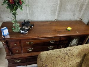 Dresser and king size headboard for Sale in Richwoods, MO