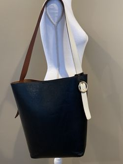 Black Faux Leather Bucket Bag With White Strap for Sale in Bartlett,  IL