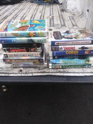 300 VSH movies no Disney all play great 60.00 for Sale in Lake Stevens, WA