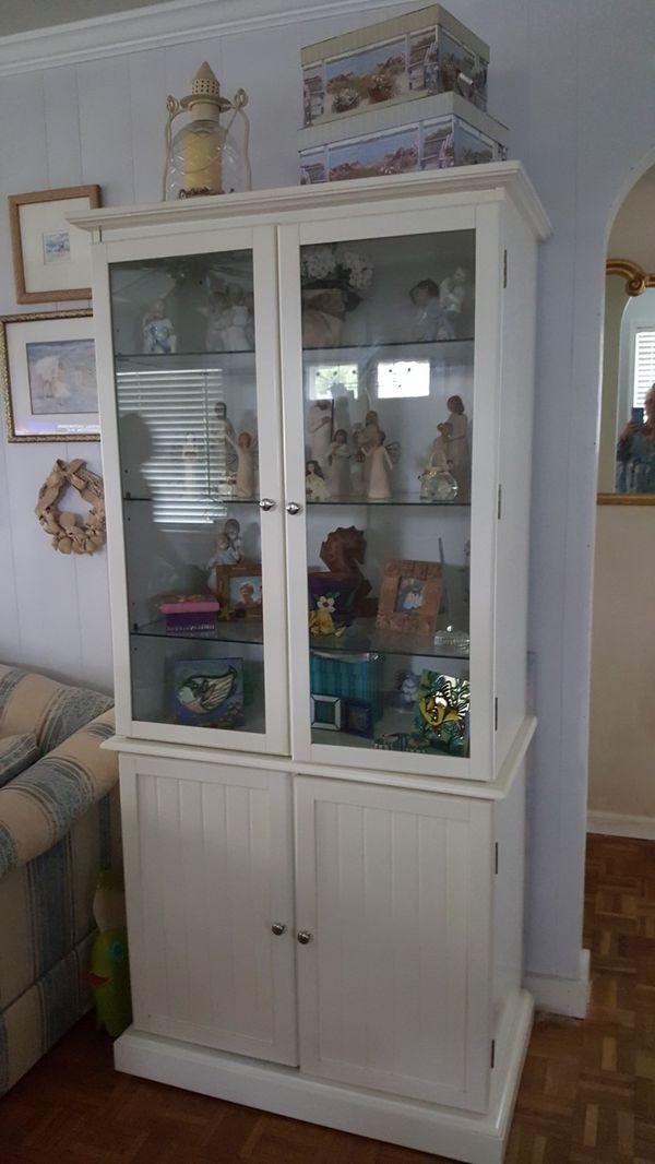 Beautiful x 1 ..Glass shelving ..great storage
