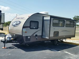 2017 Forest River Wolf pup Camper 18' for sale - really good condition- sleeps 6+ for Sale in OCEAN BRZ PK, FL