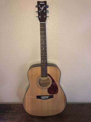 Yamaha guitar f325 for Sale in Stanwood, WA