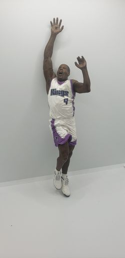 Mcfarlane toys Sacramento Kings Chris Webber basketball figure (no base or ball) for Sale in Davis,  CA