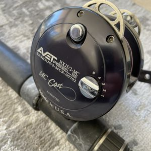 Avet HX-J 5/2 MC Cast Reel and Calstar grafighter 765-L Fishing Rod Combo for Sale in San Diego, CA