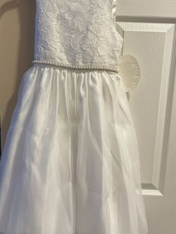 Beautiful Special Occasion Girls White Dress Sz8 for Sale in Saint James,  NY