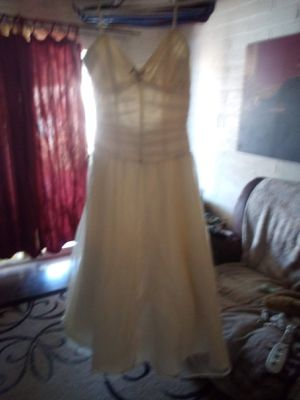 BEAUTIFUL WHITE DRESS WEDDING/PROM $50 FIRM tried on once must pick up for Sale in Phoenix, AZ
