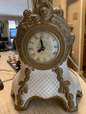 Lanshire Holland Mold Antique Mantle Clock for Sale in North East, MD