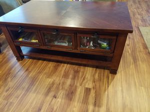 Coffee table with storage for Sale in Saint Petersburg, FL