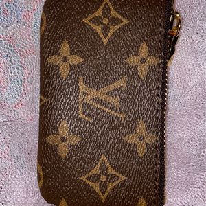 Small Louis Vuitton Wallet for Sale in Chicago, IL