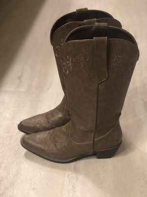 Roper brown cowboy boots women's size 8.5 (barely used) for Sale in San Clemente, CA