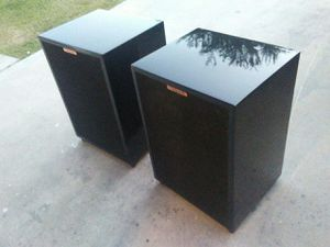 Pair of Klipsch Heresy series 2 speakers with mirror finish piano black lacquer cabinets all original parts were used for Sale in Peoria, AZ