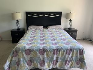 Master Bedroom Queen Set for Sale in Chesterfield, MO