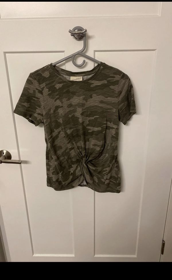 Camo Tee with Front Knot
