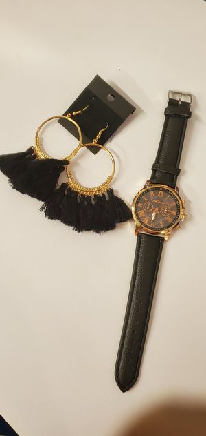 Women Fashion Quartz Watch with Matching Earings for Sale in Wimauma, FL