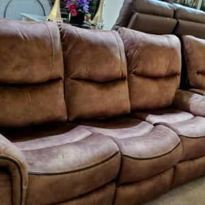 Reclining Brown Sofa for Sale in Milwaukie, OR