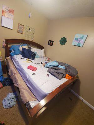 Bedroom set for Sale in Lilburn, GA