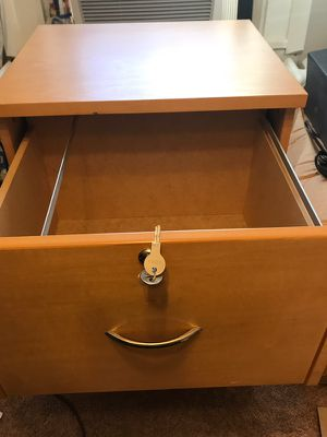 Wood 2 drawer lockable file cabinet for Sale in Woodlawn, MD