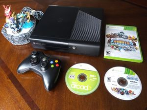 Xbox 360 E 4Gb bundle (firm price) for Sale in Norcross, GA