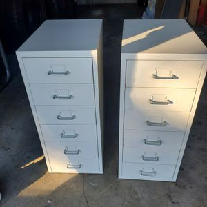2 Mini Gabinets for Sale in Westminster, CA