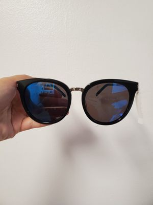 Saint laurent sunglass for Sale in Renton, WA