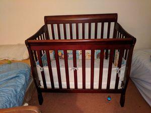 Mini Crib for Sale in Orlando, FL