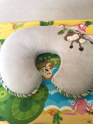 Boopy nursing pillow for Sale in Monterey Park, CA