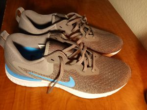 Nike Odyssey React Blue, Grey, and White, Men's Running Shoes Size 9 for Sale in Murrieta, CA