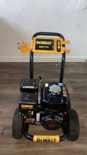 DEWALT 3600 PSI at 2.5 GPM HONDA GX200 with AAA Triplex Pump Cold Water Professional Gas Pressure for Sale in Santa Ana, CA