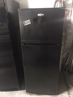 """Premium black refrigerator 23"""" Wide 60"""" Tall in excellent condition condition plus 6 months warranty. Delivery service available. Hablamos español for Sale in Pompano Beach, FL"""