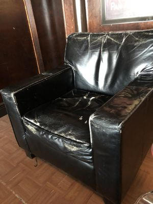 Club chair used for Sale in North Miami, FL