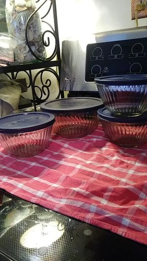 Pyrex storage containers set of 4.... 1 at 6 cups (1.5L), 3 at 3 cups (750ml) for Sale in Stoughton, MA