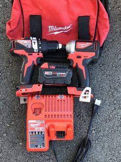 MILWAUKEE COMBO DRILLS WITH ONE BATTERY AND CHARGER BRAND NEW WITH BACKPACK BRAND NEW for Sale in Vallejo,  CA