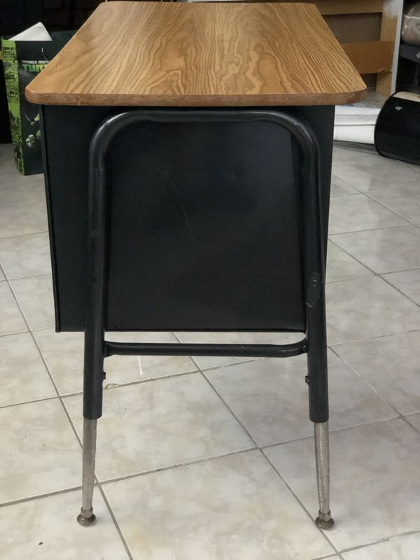 Small used desk