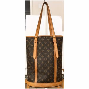 Authentic Louis Vuitton Monogram Bucket GM Shoulder Tote Bag for Sale in West Covina, CA