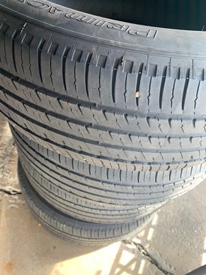 Set of 4 tires 235 60 18 for Sale in Bedford Park, IL