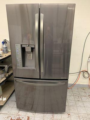 Refrigerator LG 2016 for Sale in Fontana, CA