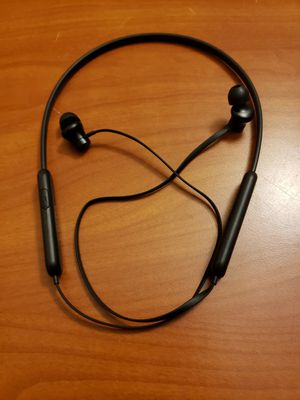 BLUETOOTH WIRELESS HEADPHONES for Sale in Rocky River, OH