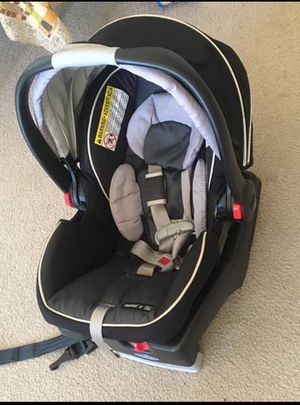 Graco click and connect infant car seat for Sale in Houston, TX
