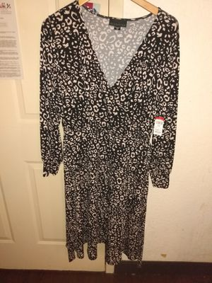 Size large dress never worn for Sale in Cherry Hill, NJ