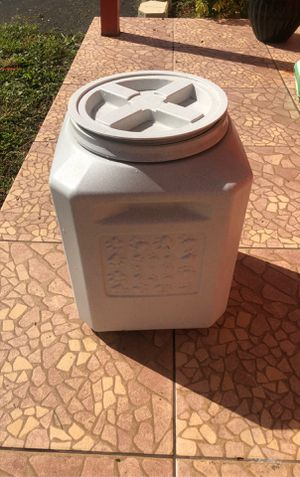 Dog food container for Sale in Miami, FL