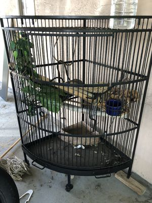 Big bird cage or lizard cage for Sale in Chula Vista, CA