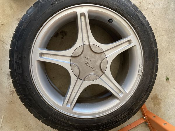 Rims off 2000 Ford Mustang