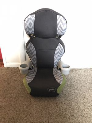 Car seat for Sale in Bridgeport, CT