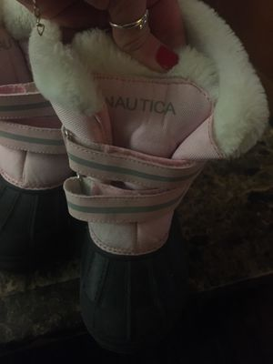 Nautica Girls Size 11c winter snow boots pink/grey/black for Sale in East Providence, RI