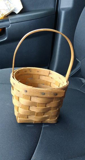 Small Longaberger Basket for Sale in The Villages, FL