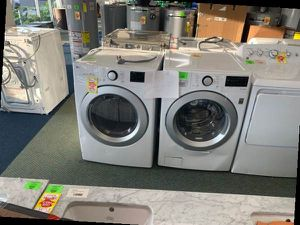 LG ELECTRIC WATER AND DRYER SET YURG for Sale in Plano, TX